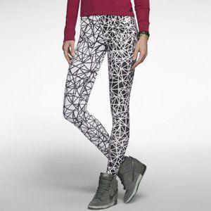 Nike Pro Geometric Two Tone Leggings L
